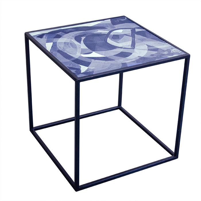 Stolik loftowy stalowy z blatem z autorskim nadrukiem oryginalnym
