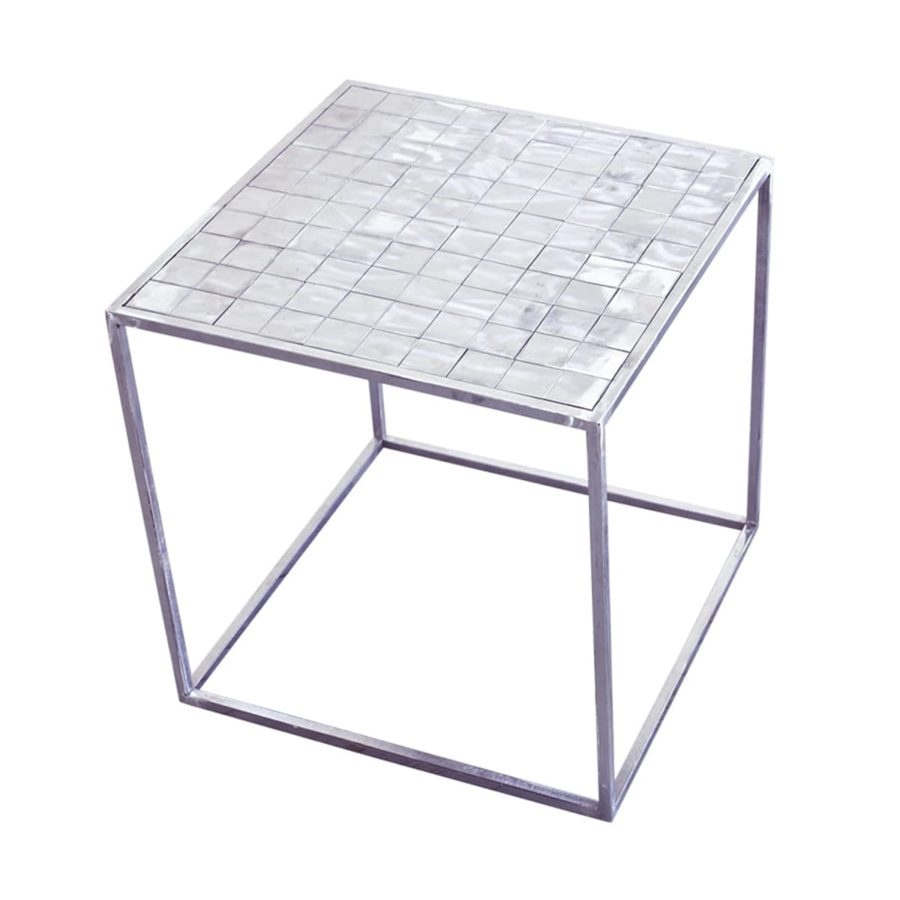 srebrny stalowy stolik kawowy industrialny