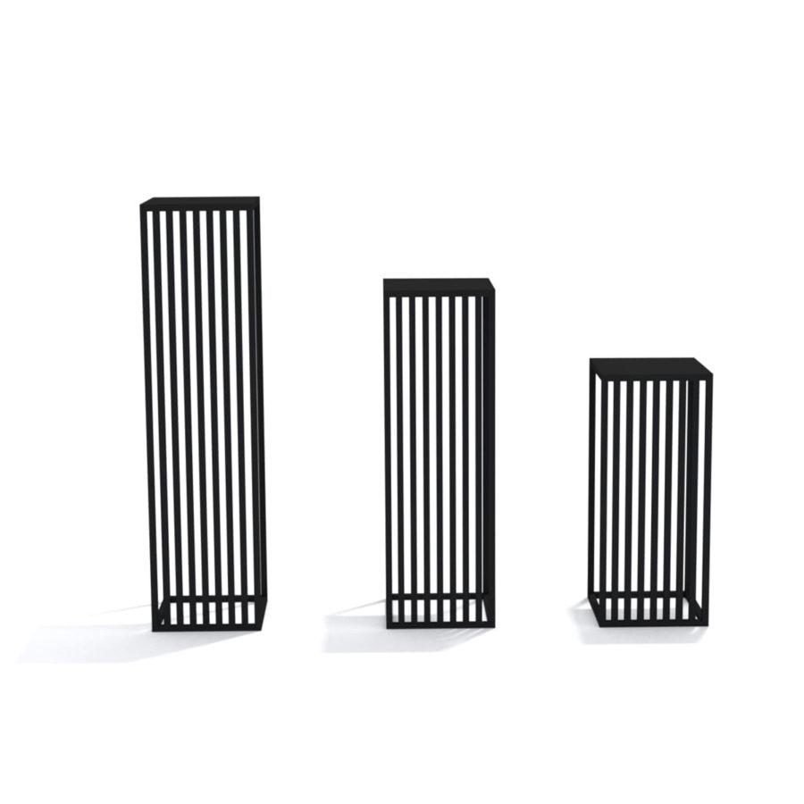zestaw trzech kwietników stojących stalowych